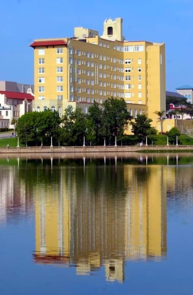 Lake Mirror Tower Apartments - Lakeland, Florida 33801