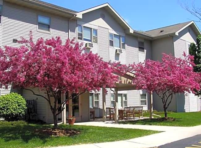 Maple Crest Senior Apartments - Port Washington, Wisconsin 53074