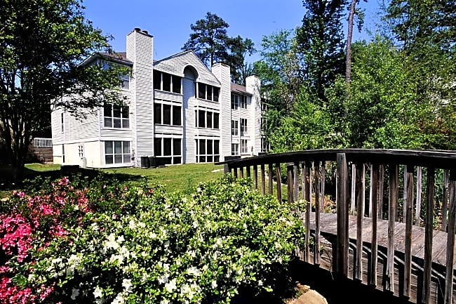 Charbonneau Apartments - Columbia, South Carolina 29210