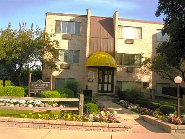 Hunt Club Apartments - Wheeling, Illinois 60090