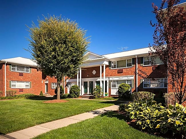 Foxhall Apartments - Passaic, New Jersey 07055