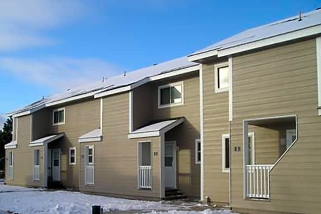Pine Manor Townhouses - Ely, Minnesota 55731