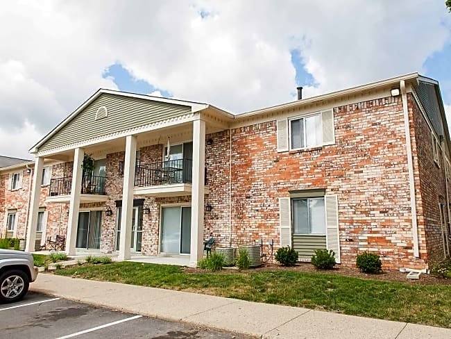 Hermitage Apartments - Speedway, Indiana 46224