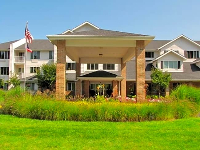 Pearl Crossing Independent Retirement Living - Strongsville, Ohio 44136