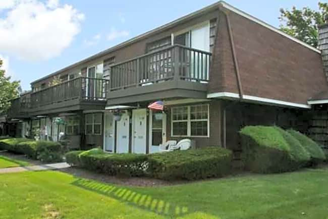 Southwood Country Club 55 and Older Community - Amityville, New York 11701