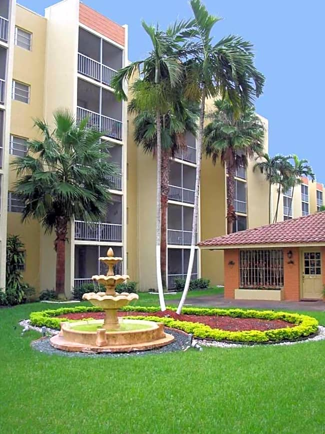 Westland 49 Apartments - Hialeah, Florida 33012