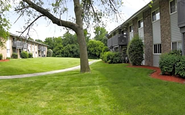 Waterfall Glen Condominiums - Willowbrook, Illinois 60527
