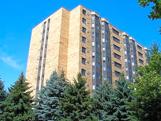 Rockwood Place Apartments - Saint Paul, Minnesota 55116