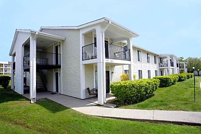 Starline Apartments - Nashville, Tennessee 37217