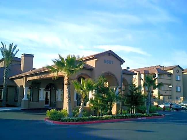 Carefree Senior Living - North Natomas - Sacramento, California 95835
