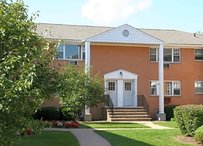 Riverview Manor Apartments - Highland Park, New Jersey 08904