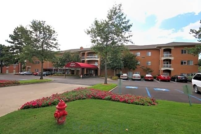 Chateau Ridgeland Independent Retirement Living - Ridgeland, Mississippi 39157