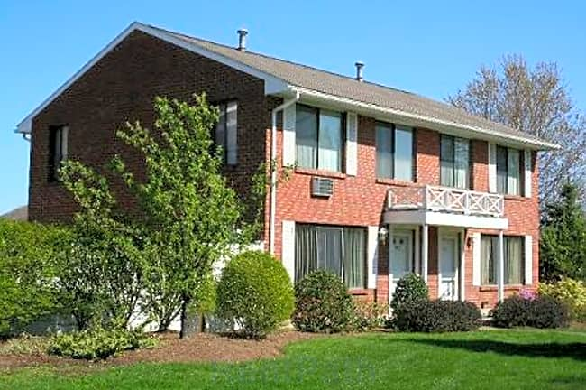 Hathaway Farms Townhomes at Northampton - Northampton, Massachusetts 01060
