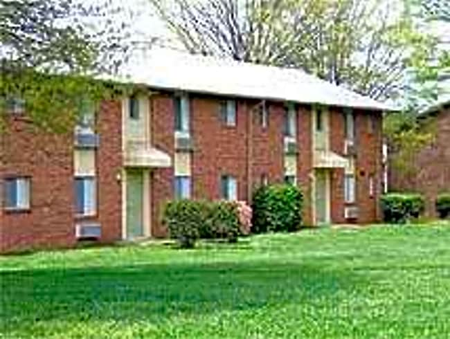 Pressley Ridge Apartments - Charlotte, North Carolina 28217