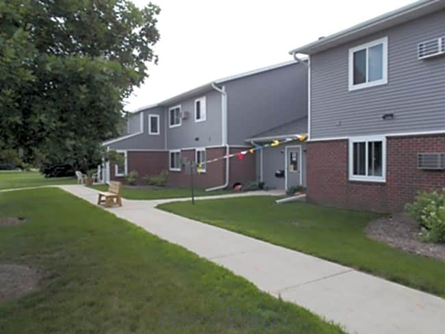 Fairview Crossing Apartments - Plymouth, Wisconsin 53073