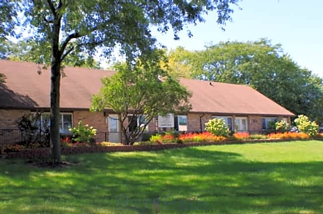 Param Apartments - Villa Park, Illinois 60181