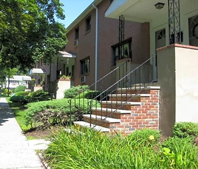 Catherine Street Apartments - Bloomingdale, New Jersey 07403