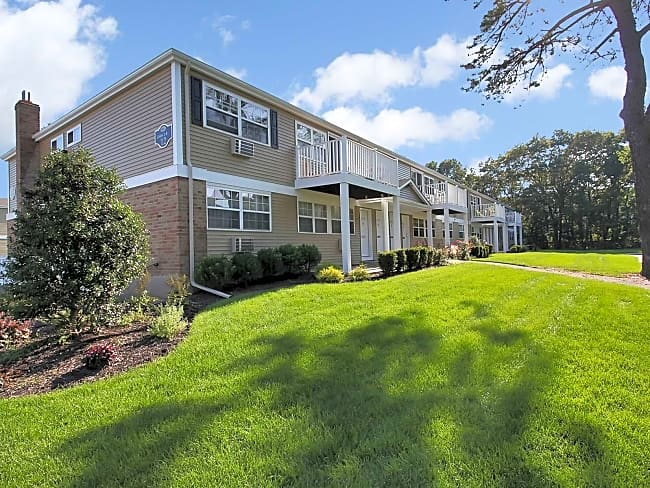 Colony Park Apartments - Ronkonkoma, New York 11779