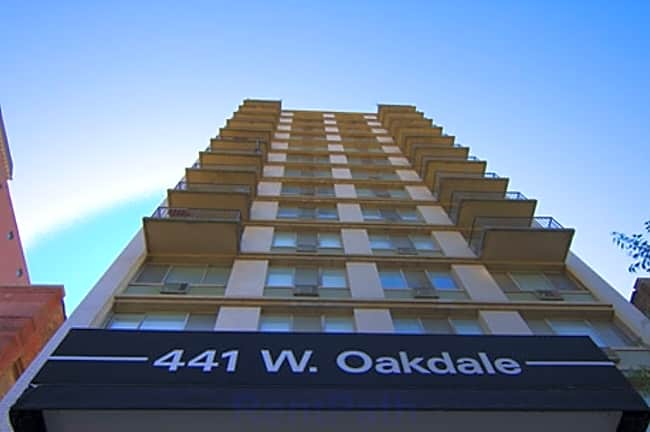 441 W. Oakdale - Chicago, Illinois 60657