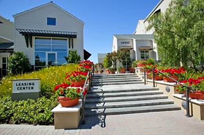 The Hamptons - Cupertino, California 95014