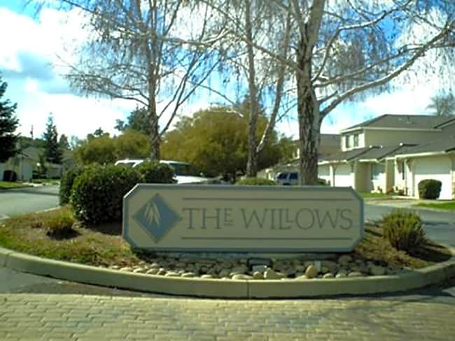 The Willows Townhomes - Oakdale, California 95361