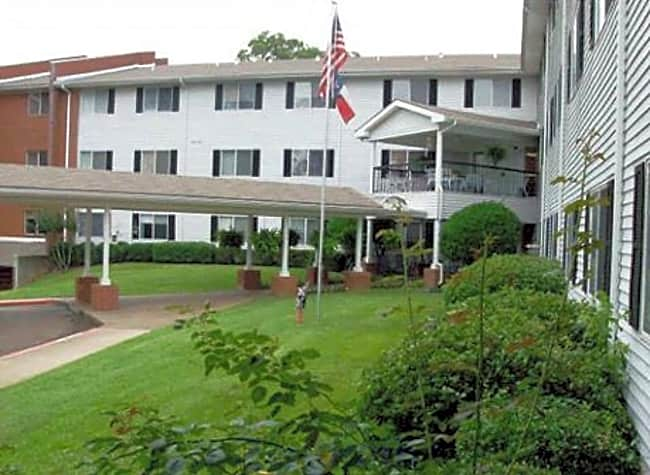 Colonial Village Senior Living - Longview, Texas 75605