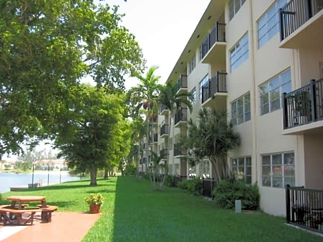 Apartments at Crystal Lake - Pompano Beach, Florida 33064