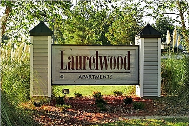 Laurelwood Apartments - Laurel, Mississippi