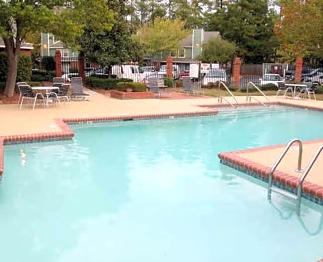 Peppertree Apartments - Charlotte, North Carolina 28205