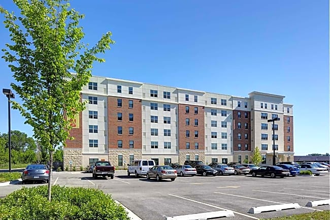 Fountain Square Apartments - Waukegan, Illinois 60085