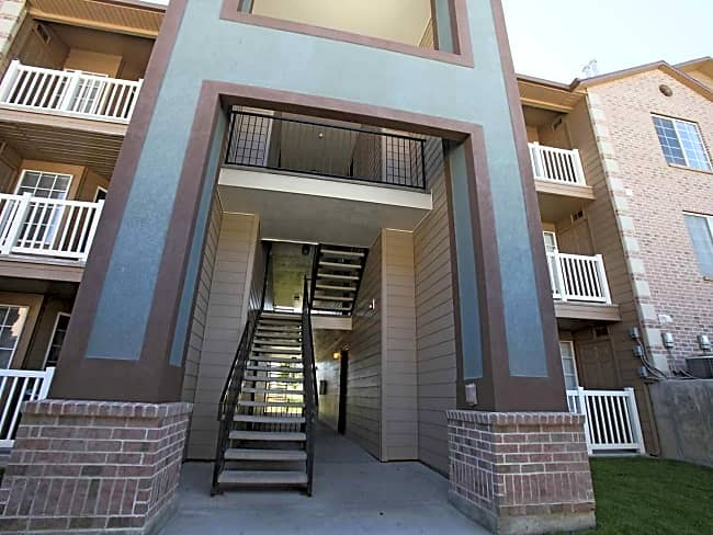 Woodgate Apartments At Jordan Landing - West Jordan, Utah 84084