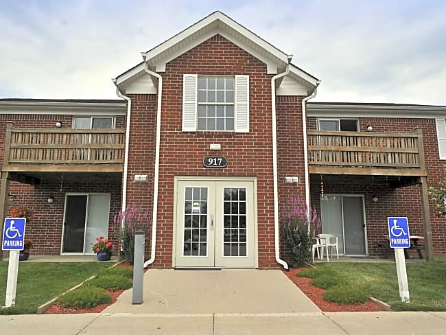 Loper Commons Apartments of Shelbyville - Shelbyville, Indiana 46176