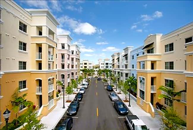 Red Road Commons - South Miami, Florida 33143