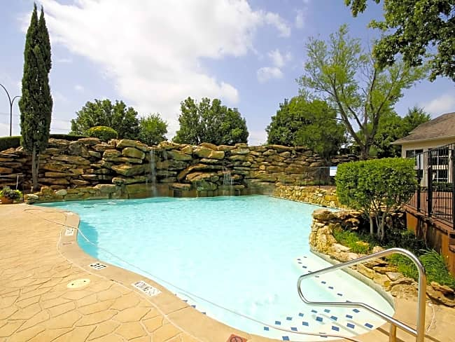 Legacy Point Townhomes - Arlington, Texas 76006