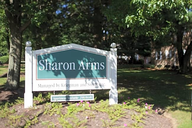 Sharon Arms - Robbinsville, New Jersey 08691