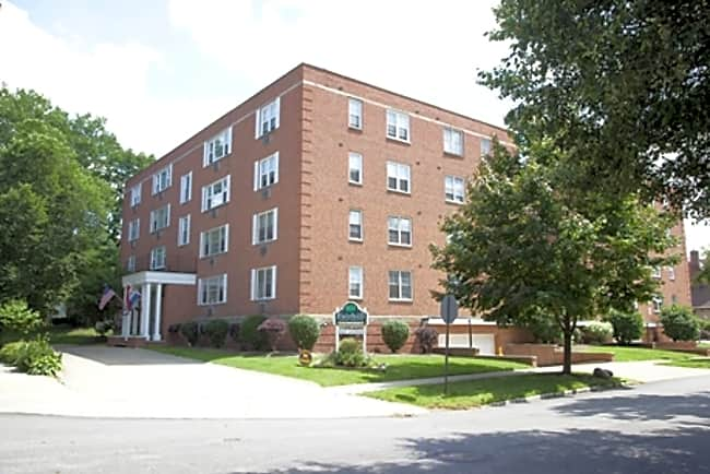 Fairhill Apartments - Shaker Heights, Ohio 44120