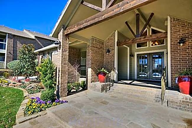 Woodland Ridge - Irving, Texas 75062