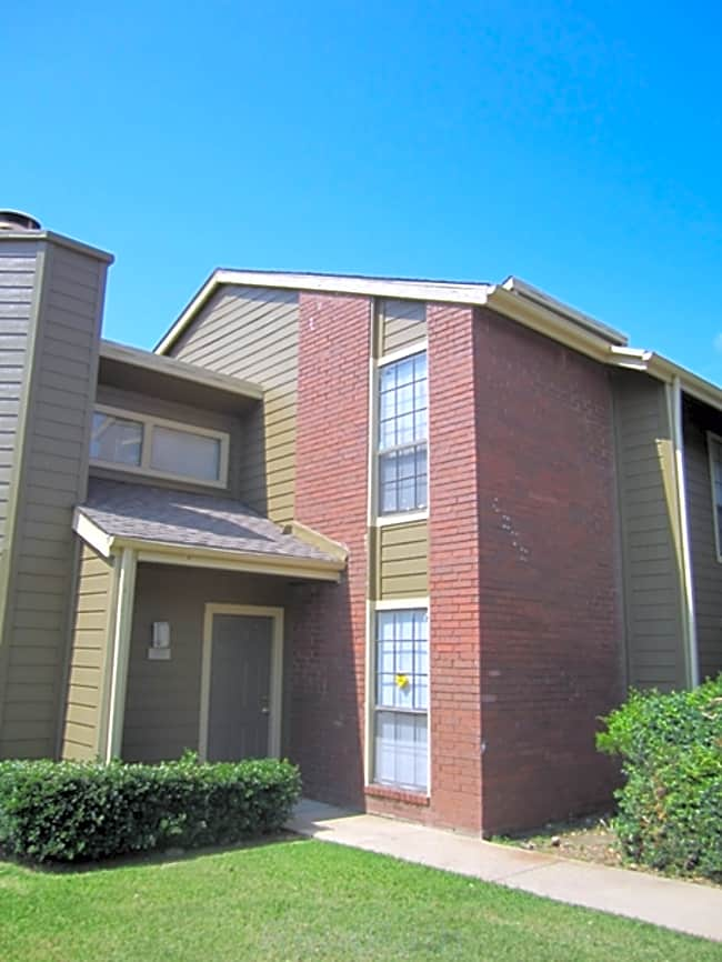 Castlewinds Apartments - North Richland Hills, Texas 76180