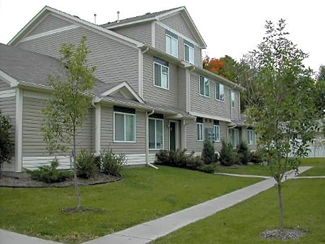 Deer Path Townhomes - New Richmond, Wisconsin 54017