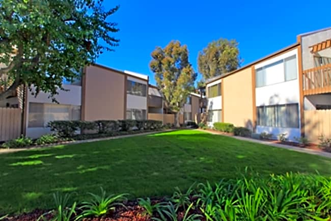 Hollybrook Apartment Homes - Westminster, California 92683