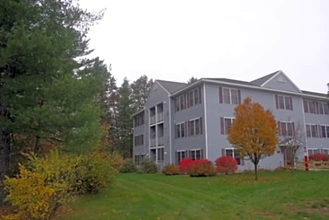 Hollis Commons - Concord, New Hampshire 03301