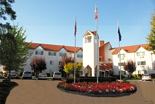 Vineyard Place Independent Retirement Living - Milwaukie, Oregon 97267
