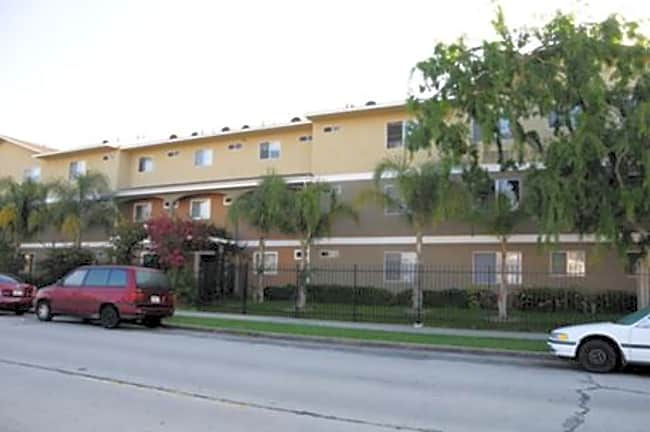 Bayview Apartments - Wilmington, California 90744