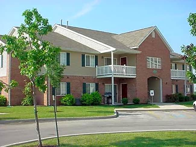 Pine Grove Apartments - Bluffton, Indiana 46714