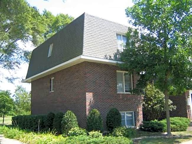 Prairie Ridge Apartments - Richmond, Illinois 60071