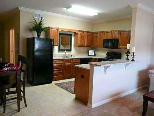 French Quarter Apartments - Tuscaloosa, Alabama 35403