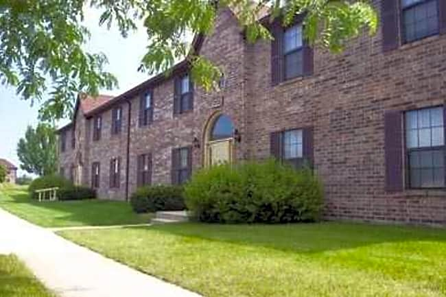 Water Dance Apartments - Shelbyville, Indiana 46176