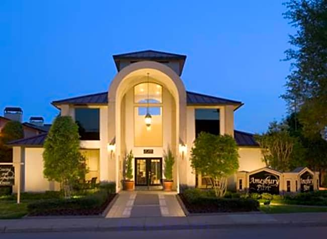 Amesbury Parc Apartments - Dallas, Texas 75206
