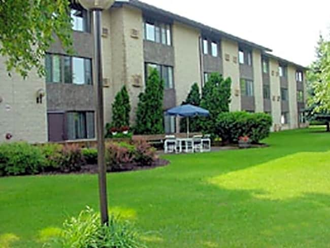 Messner Manor Apartments - Menomonee Falls, Wisconsin 53051