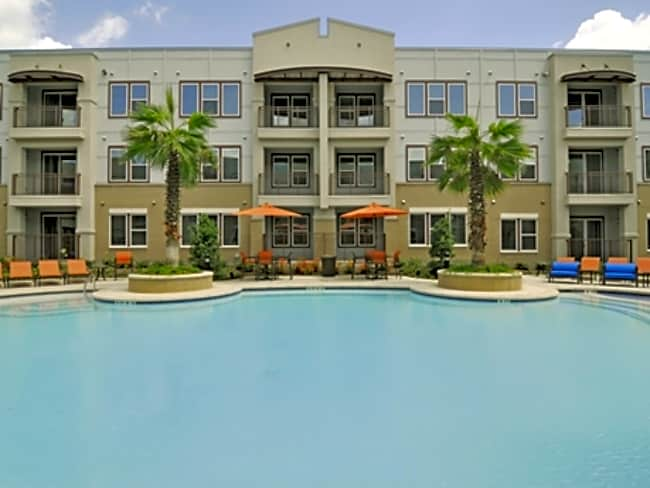 Alta Woodlake Square Apartments - Houston, Texas 77063
